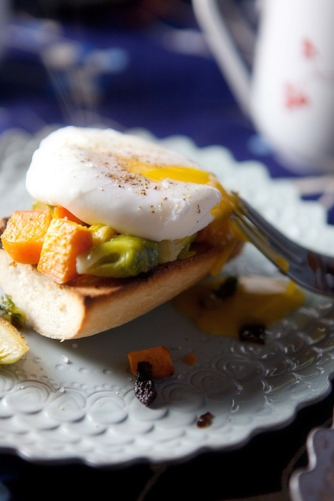 poached eggs sweets brussels runny yollk