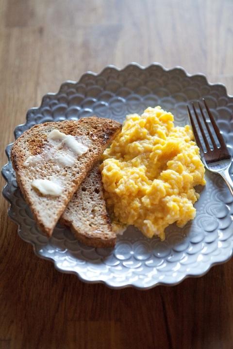 soft scrambled eggs 1