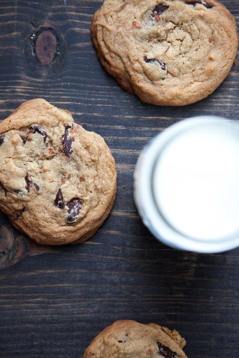 Bouchon_cc_cookies_milk_above