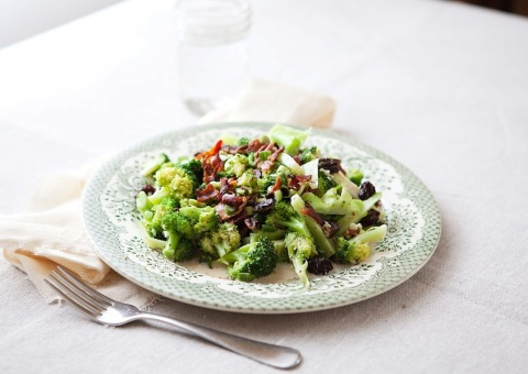 broccoli salad with bacon plated 2